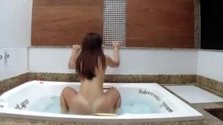 Novinha dançando funk no motel   Porno Cafajeste
