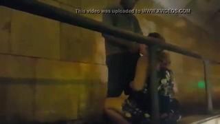 Gordinha transa com mendigo na passarela do tunel   Porno Cafajeste