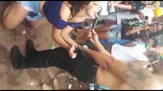 Novinha do carnaval chupando o cacecete do malandro   Porno Cafajeste