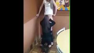 Novinhas Taradas Se Pegando Em Local Publico