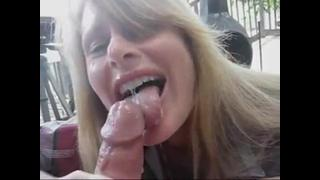 Comendo A Mulher Do Vizinho E Gozou Na Boca