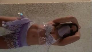 Anitta Fantasiada Sensualizando No Carnaval